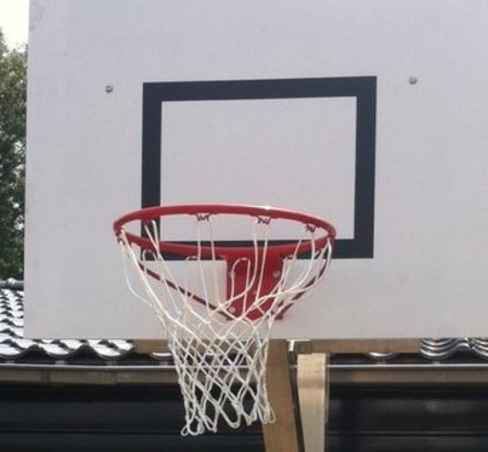 Basketbalring rood